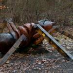 5. Eine große aus Holz gefertigte Ameise